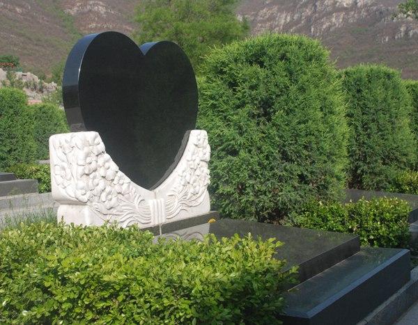 基本墓型 心形碑